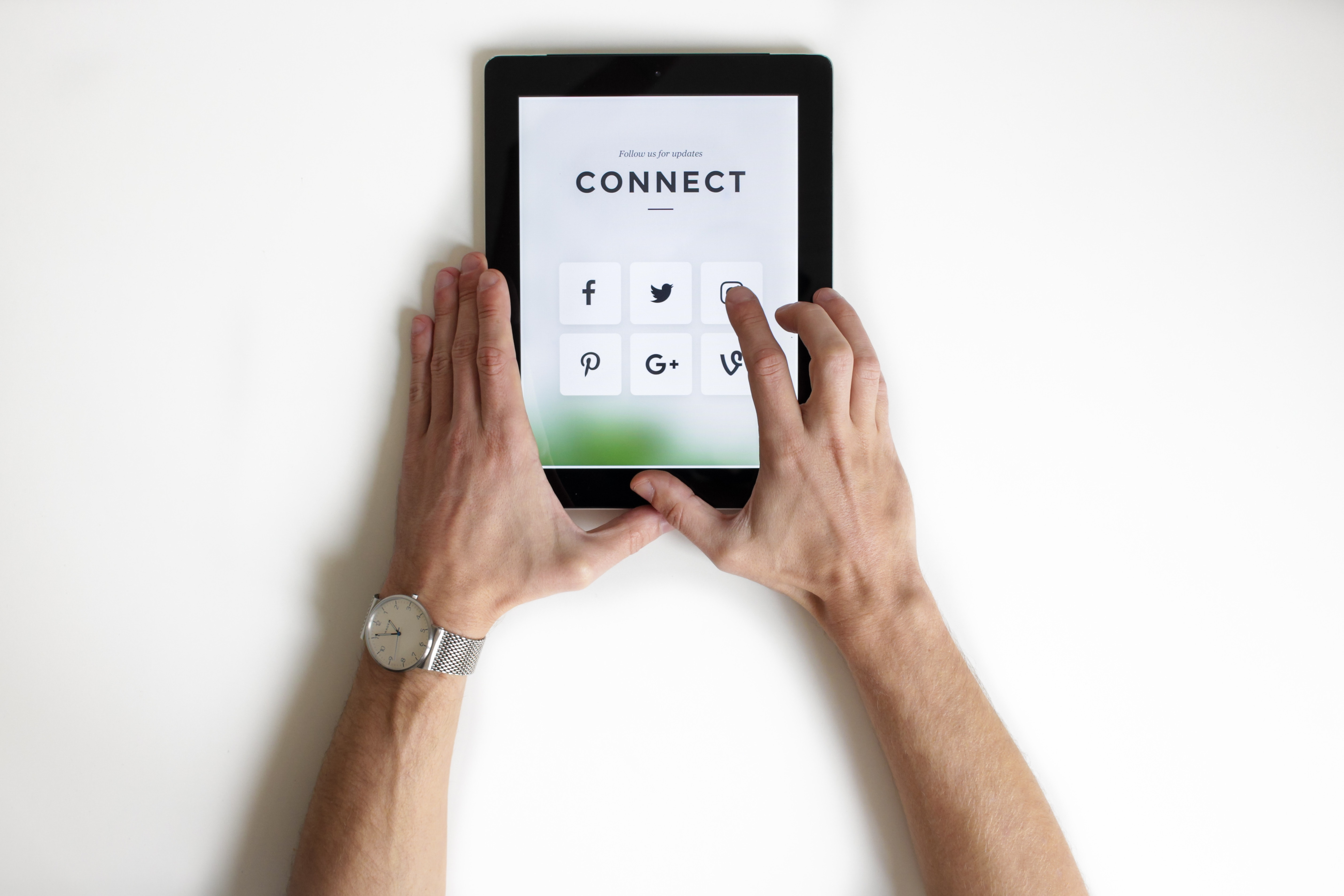 Website vs Social Media: Which platform is best for your business?